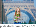 bunch eiffel girl 32577771