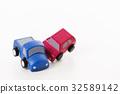 交通事故 正面衝突 車 自動車 白バック 乗り物 乗用車 32589142