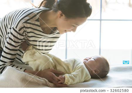 妈妈和宝宝 32602580