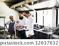 chef, kitchen, man 32637632