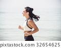 Young beautiful sportive girl runing 32654625