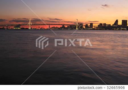 Tokyo Harbor Rainbow Bridge Sunset Panorama 32665906