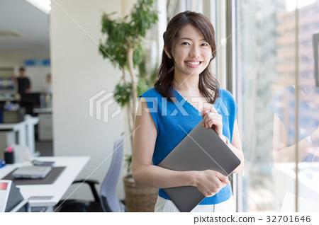 女企業家 女性白領 女商人 32701646