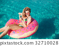 bikini,icecream,pool 32710028