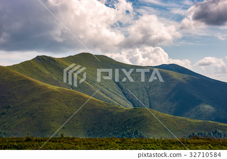 Carpathian Mountain Range in summer 32710584