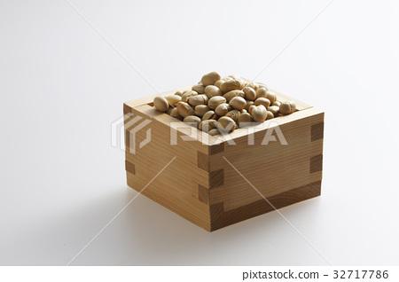 승에 들어간 콩 32717786