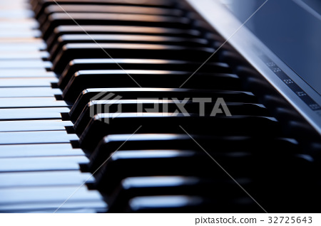 Synthesizer keyboard 32725643