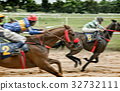 moving blur horse 32732111