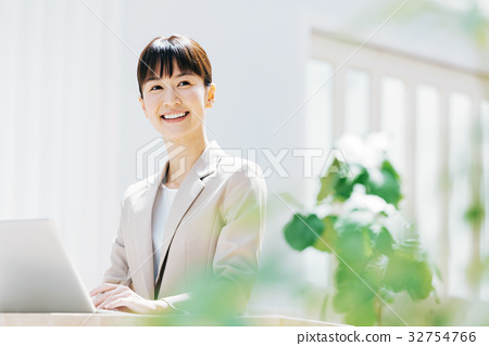 หญิงธุรกิจ 32754766