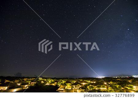 Night view of Taketomijima 32776899