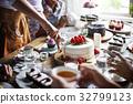 eating, enjoyment, friends 32799123