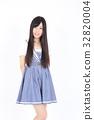年轻的女士时尚肖像 32820004