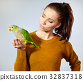 woman, bird, female 32837318