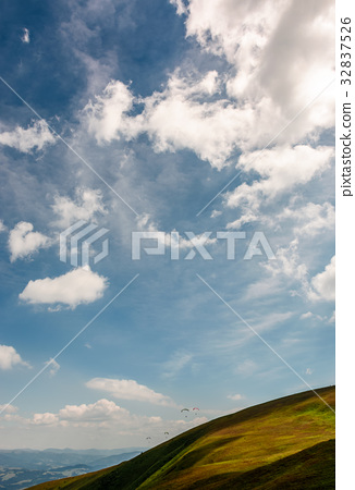 beautiful late summer landscape in mountains 32837526