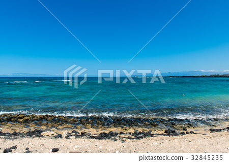 Beach on Hawaii Island 32845235