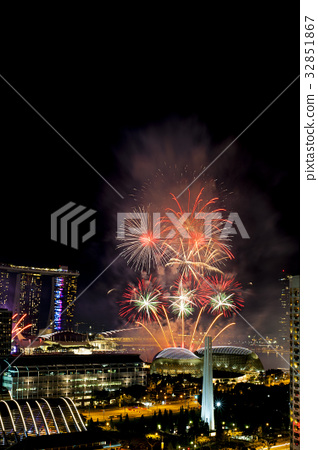 Spectacular fireworks in the city. 32851867