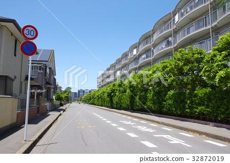 residential area, condo, condominium 32872019