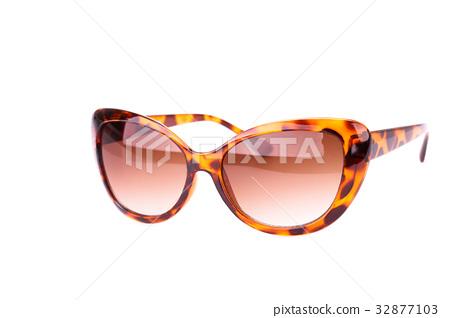 Sunglasses 32877103