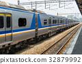 靠站的台鐵區間車 32879992