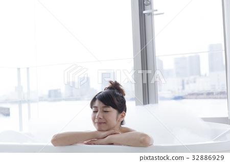 沐浴圖像 32886929