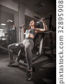 gym,exercise,female 32895908