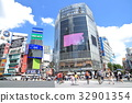 Shibuya station square scramble intersection in summer 32901354