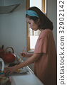 แม่บ้าน,ผู้หญิง,หญิง 32902142
