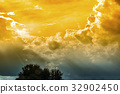 The sky with the sun shines through 32902450