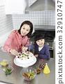 가족, 빵, 생일케이크 32910747