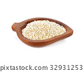 sesame seeds isolated on white background 32931253