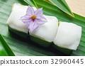 Thai jelly with coconut cream on green banana leaf 32960445