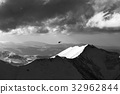 Black and white view on off-piste slope 32962844