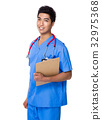 Doctor holding with clipboard 32975368