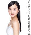 Young beautiful asian woman 32976375