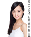 Beauty woman with charming smile with healthy skin 32976416