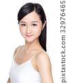 Asian beautiful woman with perfect skin 32976465