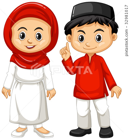 Indonesian boy and girl in traditional outfit 32981017
