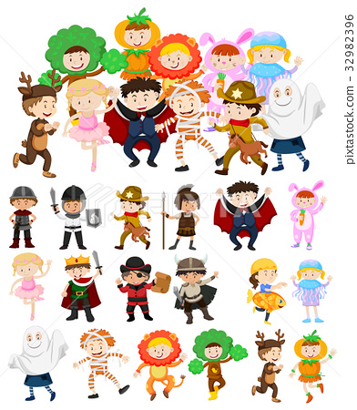 Children in halloween costumes 32982396