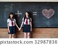 女高中女生朋友 32987836