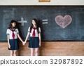 女高中女生朋友 32987892