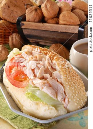 Smoked chicken sandwich 33026311