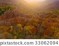 Autumn landscape with sunlight 33062094