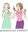 做護膚和構成的婦女 33089247
