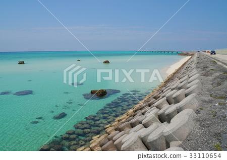 Revetment and pier near Shikishima Airport 33110654