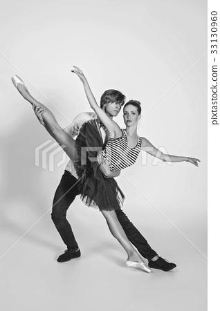 beautiful ballet couple 33130960