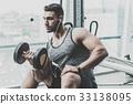 男性 男人 健身房 33138095