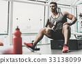 男性 健身房 運動 33138099