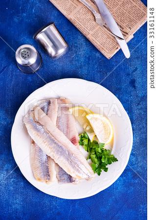 raw fish 33161148