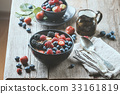 homemade oatmeal with berries 33161819