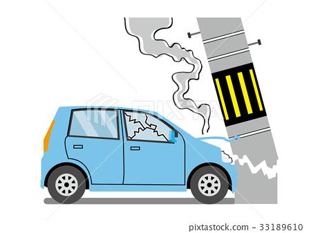 전주에 충돌 한 자동차 33189610